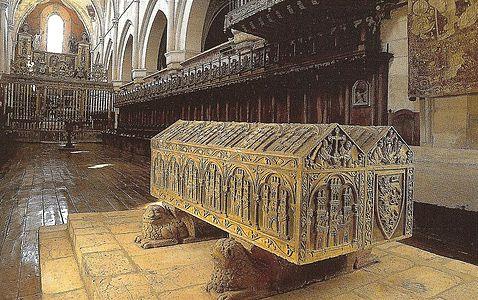 Sepulcro de Alfonso VIII, rey de Castilla. Monasterio de las Huelgas de Burgos.jpg