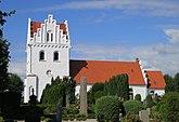 Fil:Skegrie kyrka september 2012.jpg