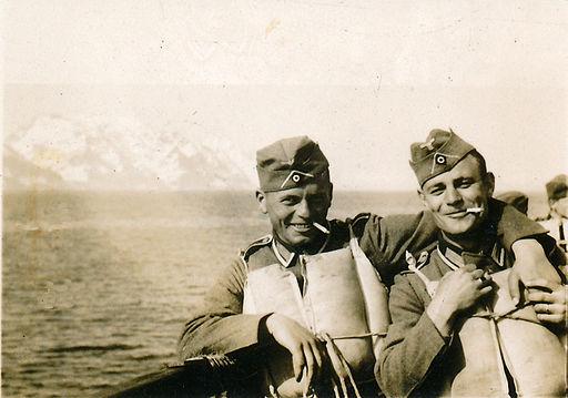 Soldaten Ueberfahrt Norwegen 1940 by-RaBoe