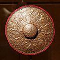 Sous l'égide de Mars - Rondelle d'escrime à décor repoussé - Inv I 71 - Vers 1580-1590 - 001.jpg