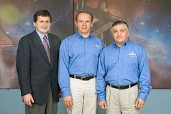 v.l.n.r. Charles Simonyi, Oleg Kotow und Fjodor Jurtschichin