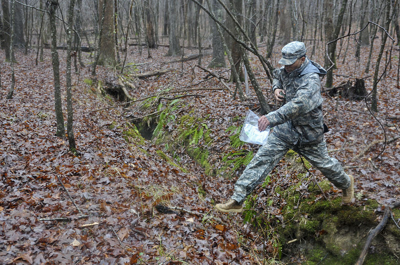 File:Spartanburg, SC, soldier strives for victory in 518th Sustainment Brigade Best Warrior Competition 140111-A-IK997-009.jpg