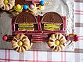 Sponge train with sweets and biscuits II.jpg