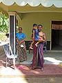 Sri Lanka-Famille avec fillette (1).jpg