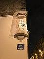 Statue Vierge Marie rue Madone Paris 1.jpg