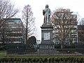 Statue of Sir Isaac Watts - geograph.org.uk - 1714709.jpg