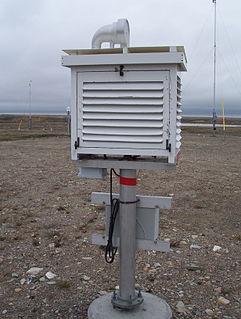 Stevenson screen meteorological device