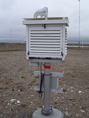 Homogenization (climate) - Exterior of a Stevenson screen