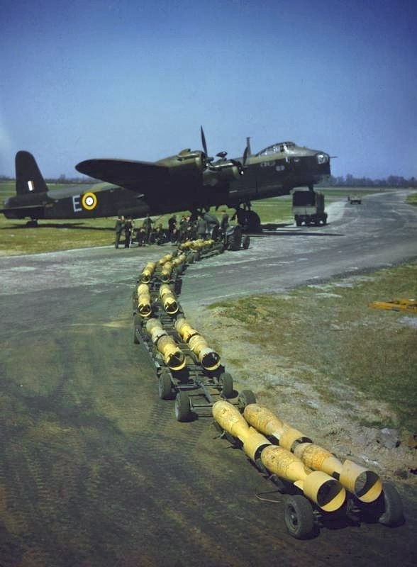 Stirling of 7 sqn