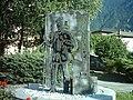 Storo monumento emigranti.JPG