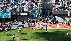 Luis Suárez celebrando el primer gol.