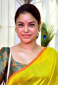 Sumona Chakravarti attends the rice ceremony of their grandson Krishh Lahiri (09) (cropped).jpg