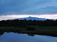 200px-Sunrise_over_Mount_Kenya