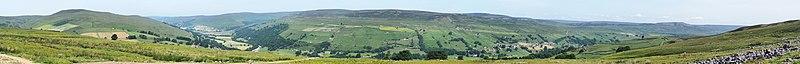 Swaledale panorama from Whitaside Moor.jpg
