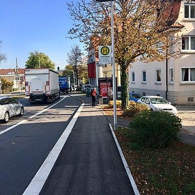 Tübingen-Landestheater-Bushaltestelle-2.jpg