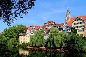 Neckarfront mit Hölderlinturm und Stiftskirche