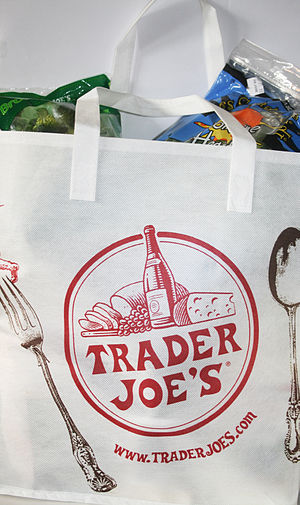 English: pic of Trader Joe's bag