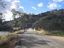 Taemas Bridge, NSW, approach from the south.jpg