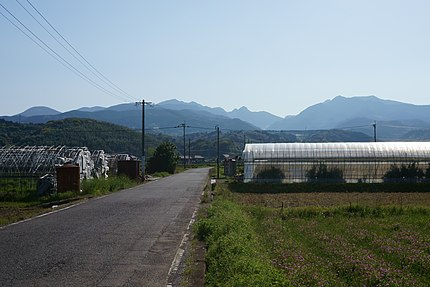 町内から多良岳山系を望む