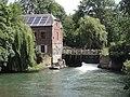 Tavaux-et-Pontséricourt (Aisne) moulin sur la Serre.JPG