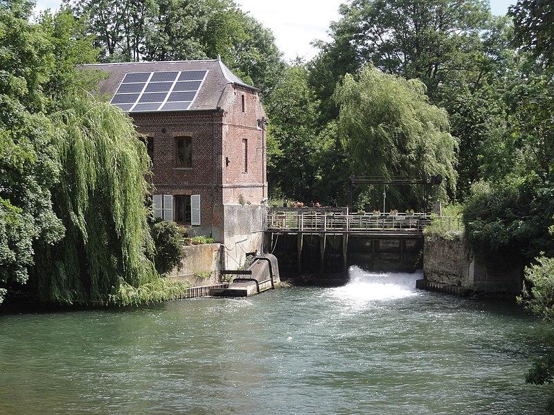 Tavaux-et-Pontséricourt (Aisne) moulin sur la Serre