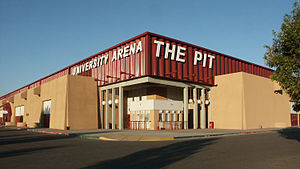 New Mexico Lobos men's basketball - Image: The Pit UNM 2003
