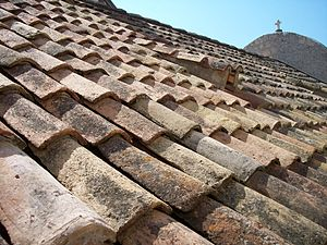 English: Tiled roof in Dubrovnik (Croatia). Fr...