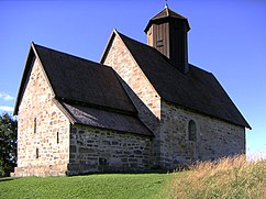 Tingelstad old church, Gran.jpg