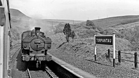 Torpantau Station - meeting a Brecon - Newport train geograph-2568908-by-Ben-Brooksbank.jpg