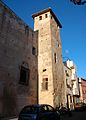 Torre dreta de la part de davant del palau-castell, Llutxent.JPG