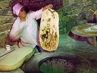 Tandoor bread - Image: Traditional lavash bread making