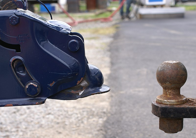 Towing hitch