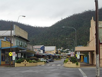 Tully, Queensland - Tully's main street (Butler Street), 2006