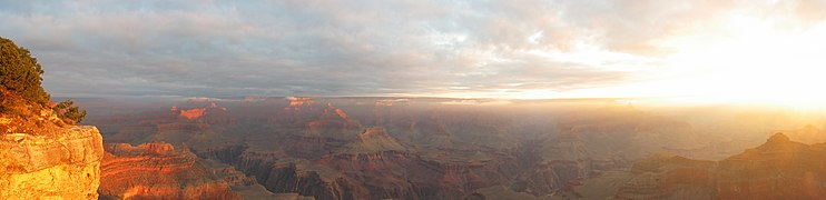 USA grand canyon pano1 AZ.jpg