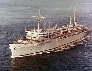 USS L.Y. Spear (AS-36) undwerway in 1983.JPEG