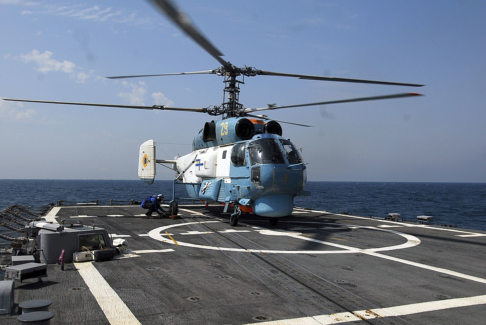 Ukrainian Ka-27PS on USS Taylor (FFG 50), 2010-A
