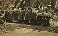 Um comboio de cana na Fazenda Tentativa, propriedade da Companhia do Açúcar de Angola, situada no Caxito (Alto Dande) (Zé Luís. 1942.12.20).jpg