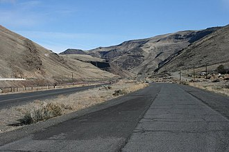 Umtanum Ridge Water Gap - The Yakima River as it discharges from the Yakima River Canyon.