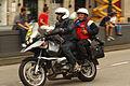 Un reportero gráfico en moto (15032553777).jpg