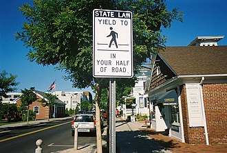 Greenport, Suffolk County, New York - Image: Unusual Pedestrian Crossing Sign(NY 25 Greenport)