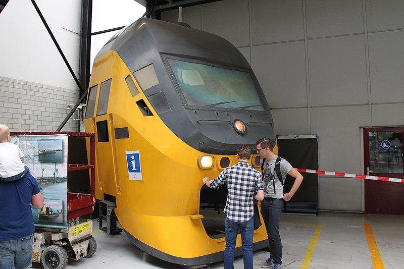 File:VIRM Nedtrain Haarlem.jpg