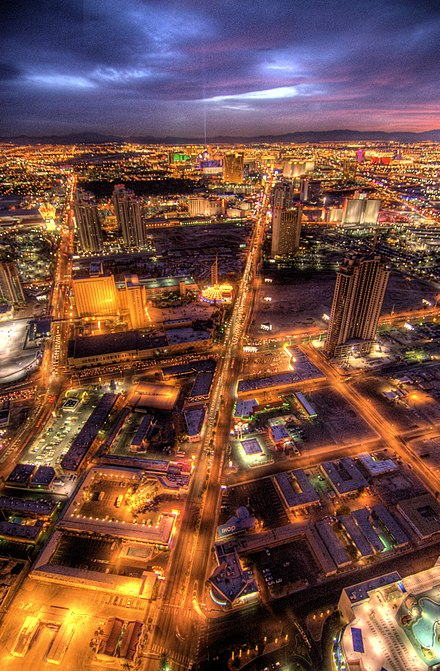 Las Vegas Boulevard looking south from the Stratosphere Vegas by night (360655015).jpg