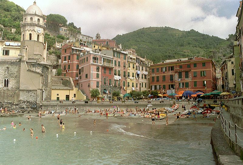 A Beautiful Place 800px-Vernazza_cinque_terre_italy