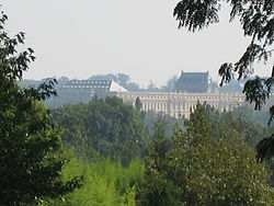 Versailles from the arboretum de Chèvreloup.jpg