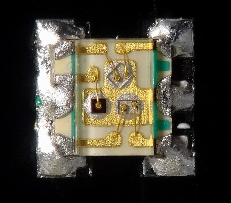 Very small 1.6x1.6x0.35 mm RGB Surface Mount LED EAST1616RGBA2