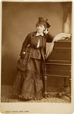 Victoria Woodhull - Cabinet card of Woodhull by Mathew Brady