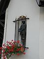 Vieux-Moulin (Oise) statue.JPG