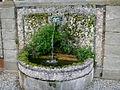 Villa grabau, fontana con mascherone 03.JPG