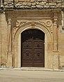 Villamayor de Santiago, puerta labrada en piedra de casa en calle Montera, 01.jpg