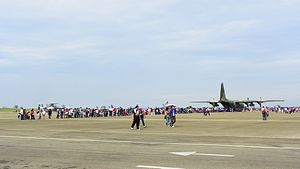 Visitors Wait in Line for Seeing Cabinet of C-130H 20111112.jpg